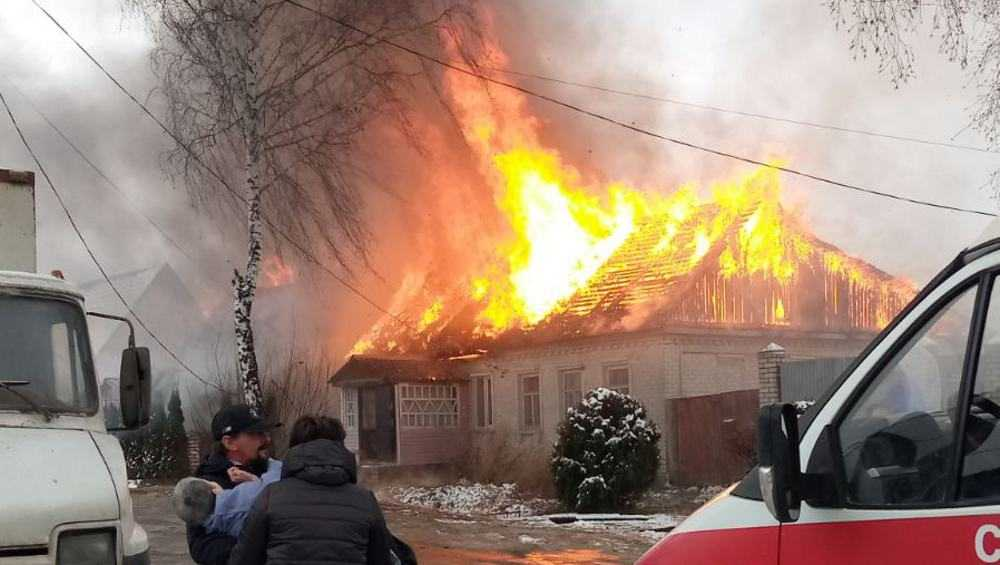 В Бежице многодетная семья из-за пожара осталась без крова