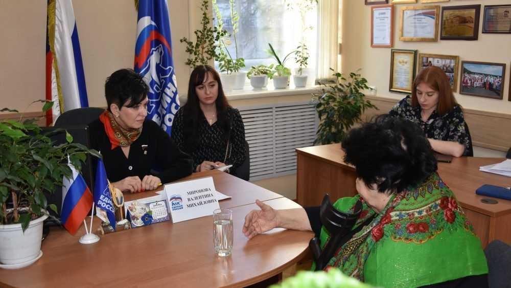 Валентина Миронова оказала содействие коллективу театральной студии