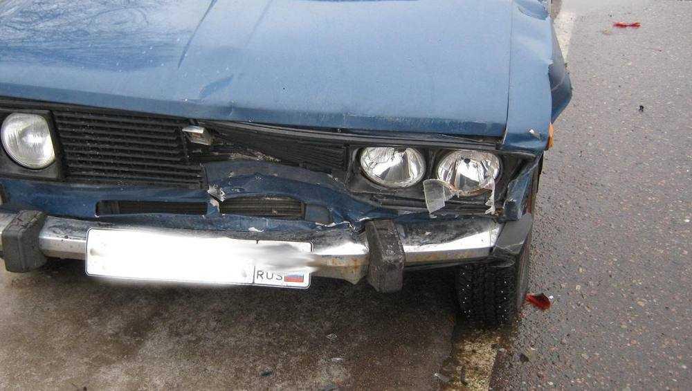 В Комаричах водитель легковушки покалечил женщину, шедшую по краю дороги