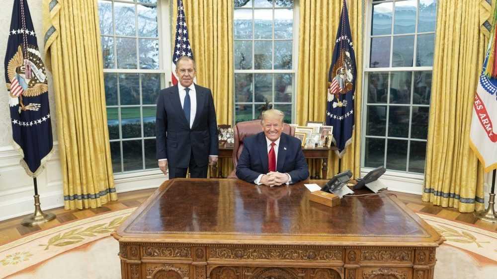 Фото Трампа сЛавровым разозлило россиян