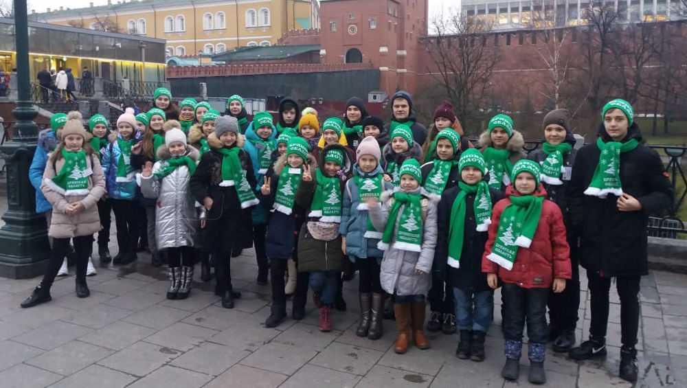 Брянские школьники прибыли на Кремлевскую елку