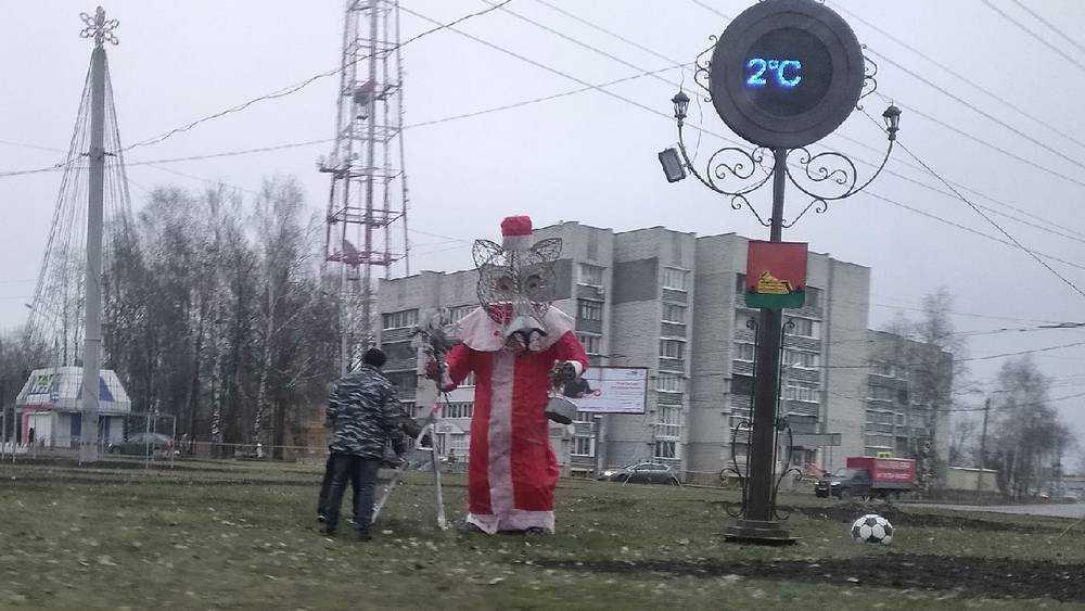 Брянский волк «Щас спою» превратился в Деда Мороза