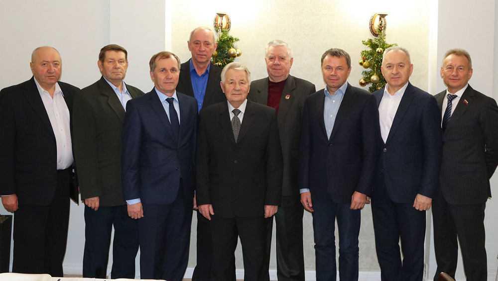 Мэр Александр Макаров встретился с бывшими руководителями Брянска