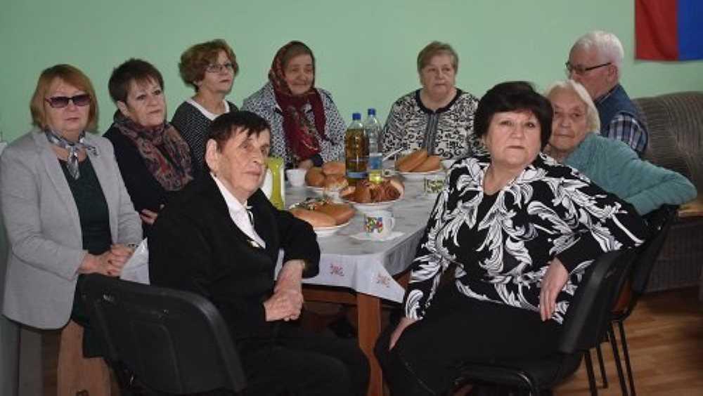 В Суражском районе подарили праздник ветеранам и инвалидам