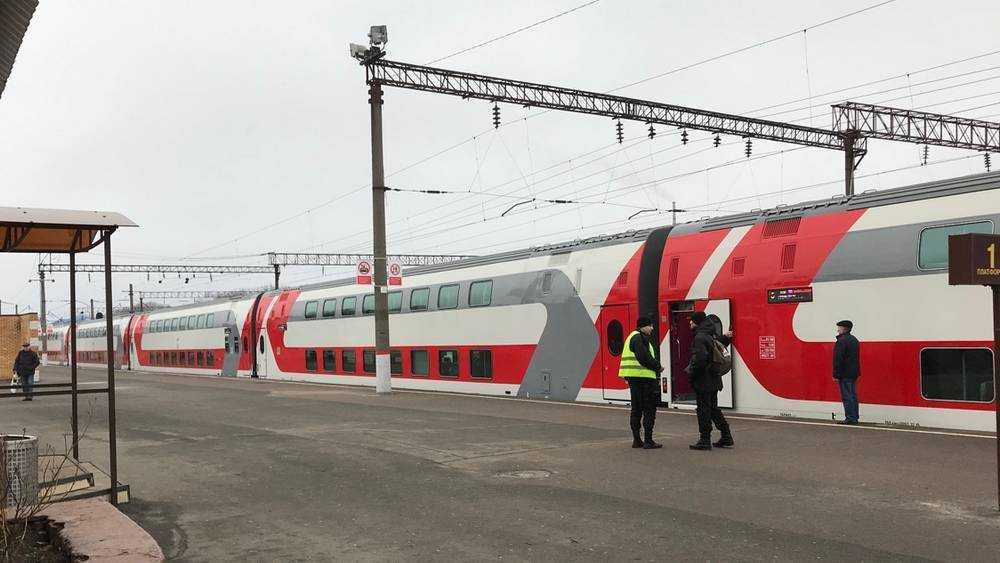 Расписание пригородных поездов в Брянской области изменится в период новогодних и рождественских каникул