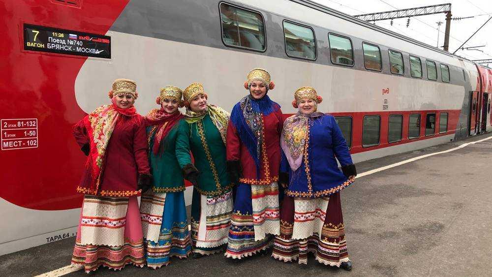 В Брянск впервые отправился двухэтажный поезд из столицы