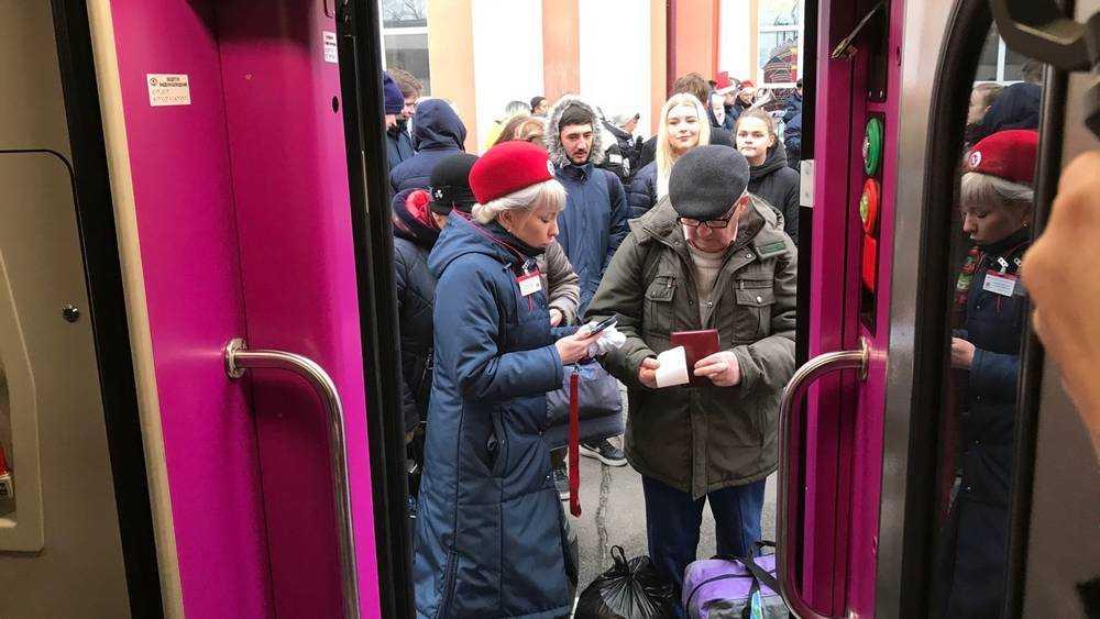 Первый двухэтажный поезд отправился в Москву из Брянска