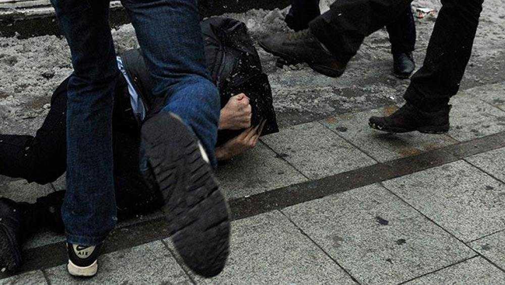 После избиения на улице 29-летний брянец попал в реанимацию