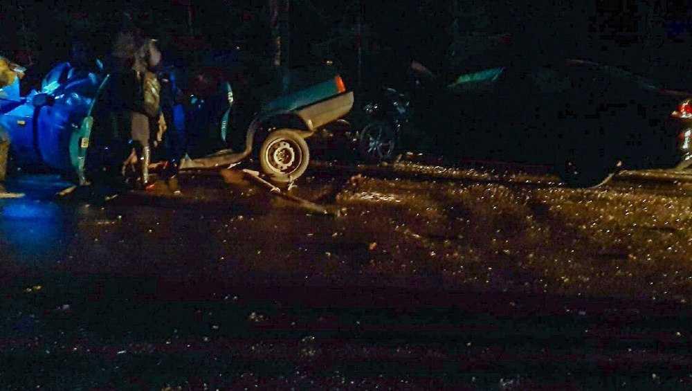 В страшном ДТП возле Климова двое человек погибли и четверо пострадали