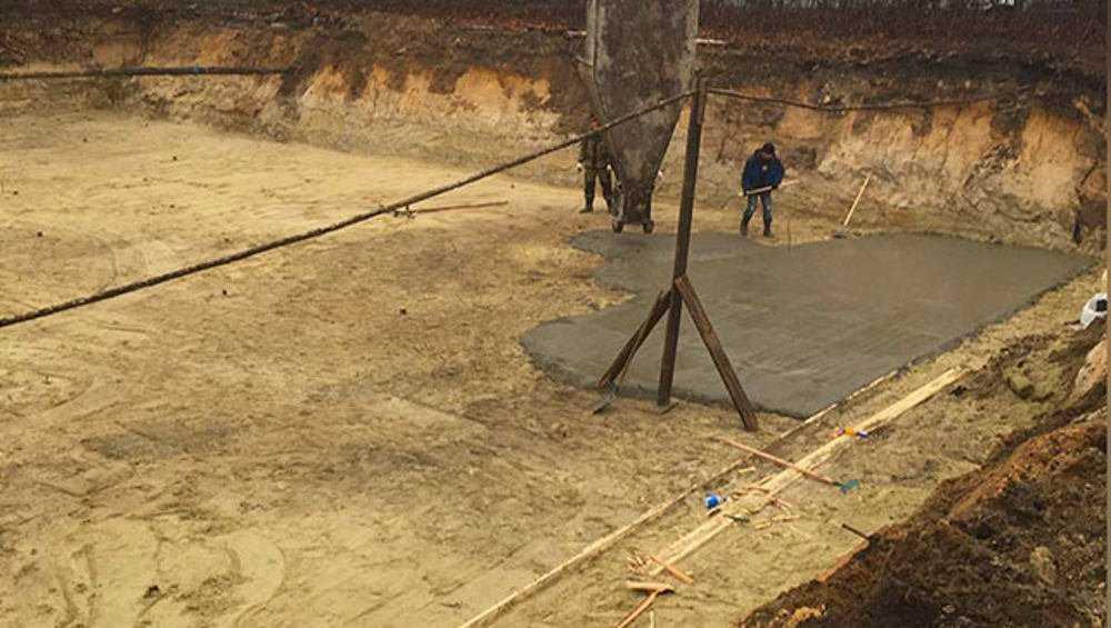 В Фокинском районе Брянска подготовили котлован под бассейн