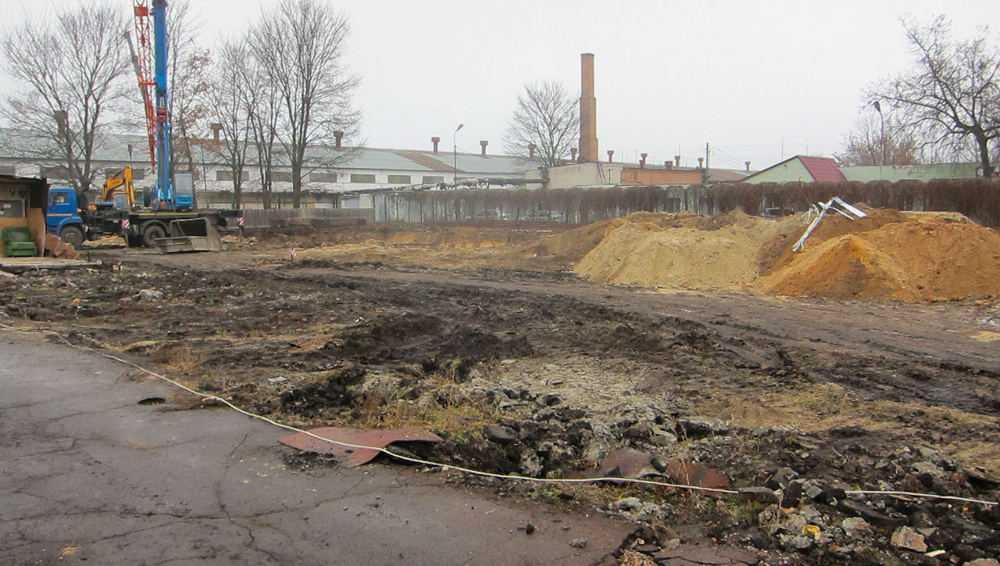 В Фокинском районе подготовили котлован под будущий бассейн