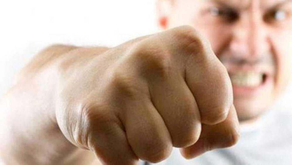 Житель Почепа сломал челюсть росгвардейцу и на два года лишился свободы