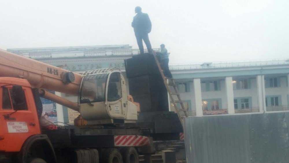 Памятник Ленину и площадь в Бежице отремонтируют за 12 млн рублей