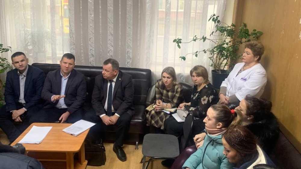Политиканы использовали брянских врачей в своих целях