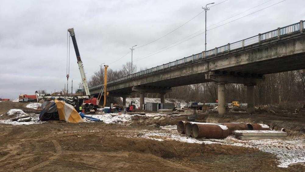 В Брянске Литейный мост продолжили строить с опережением графика работ