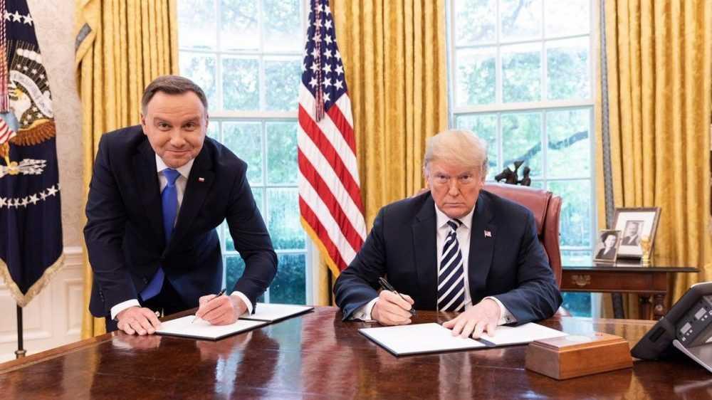 Заявления президента Польши вызвали возмущение у россиян