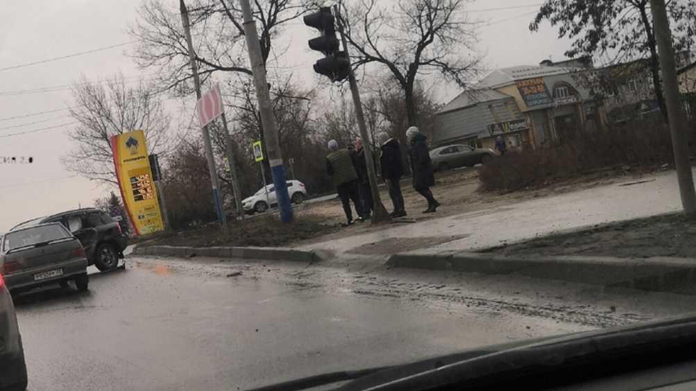 В Брянске на Литейной из-за ДТП образовалась пробка