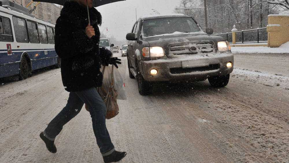 В Брянске автомобилистка разбила голову нарушительнице