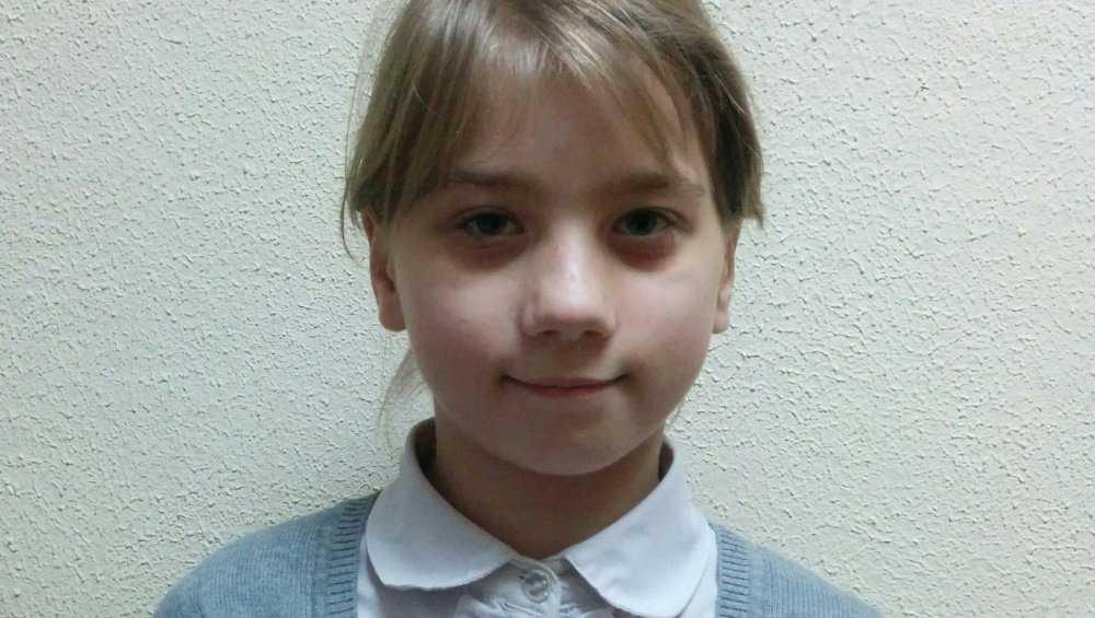 В Брянске ищут новую семью для 9-летней Полины