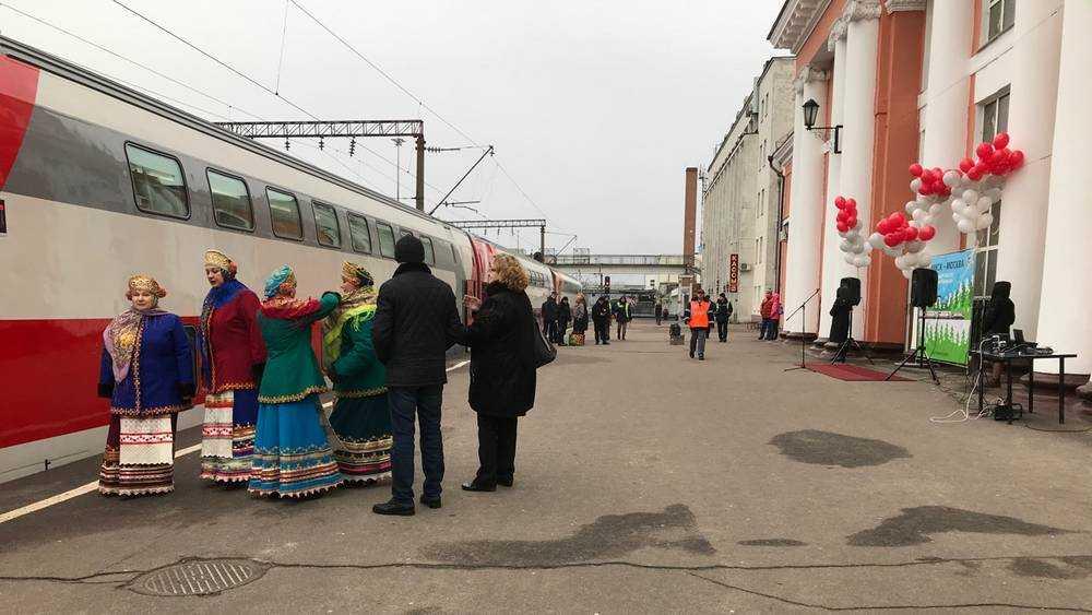 Часть брянских поездов из-за коронавируса в РЖД отменили