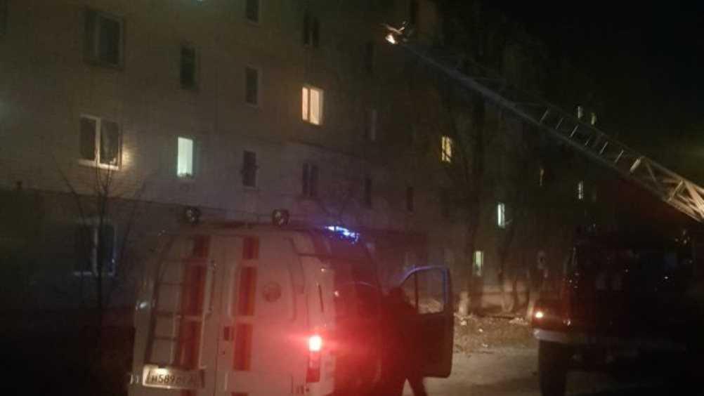 В Фокинском районе Брянска из горевшей многоэтажки спасли 7 человек