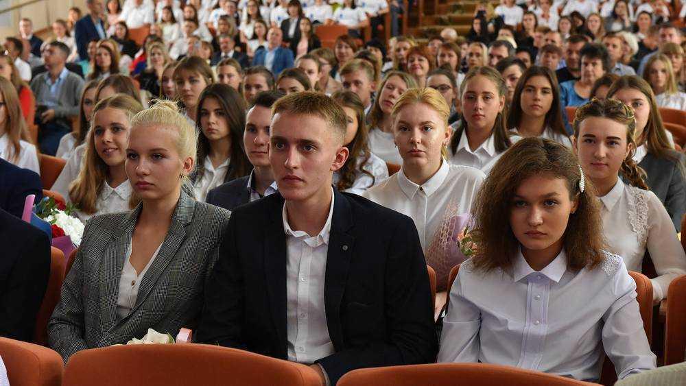 Двенадцать молодых брянцев покинули медицинский предуниверсарий