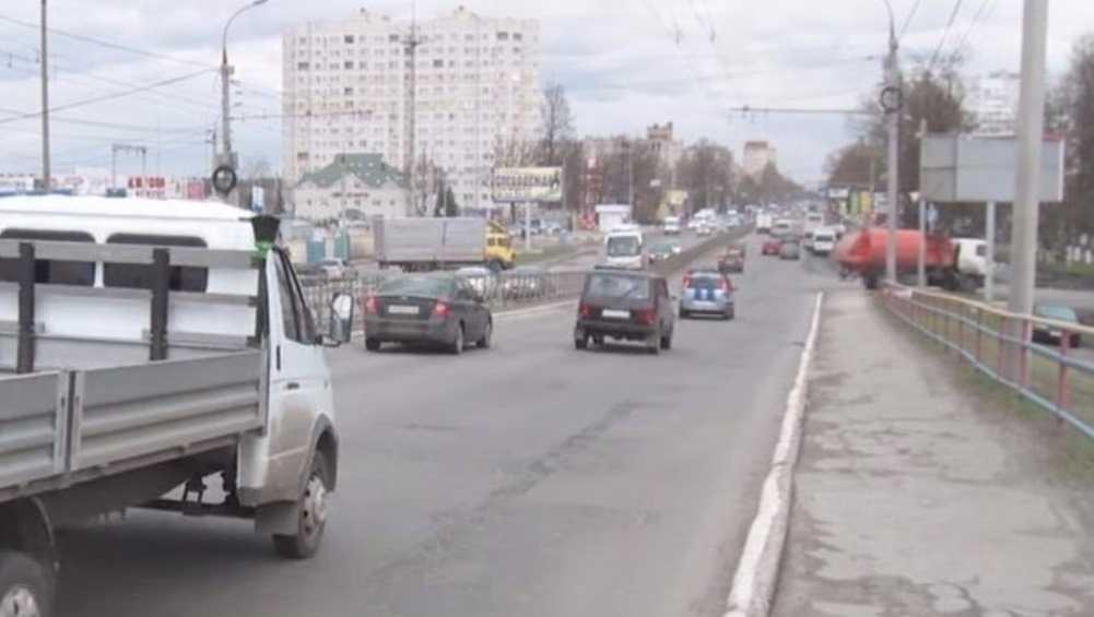 Прокуратура потребовала отремонтировать дорогу на путепроводе Брянск-2