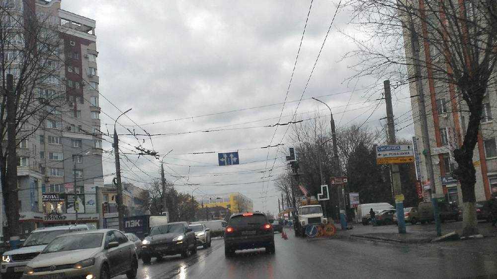 В Брянске зоркие соколы через 2 недели заметили новый  светофор