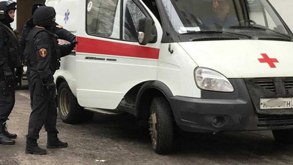 В Брянске пенсионер-дебошир встал на пути работников скорой помощи