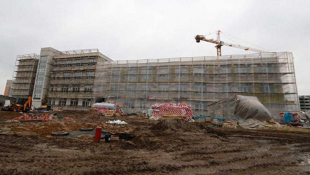В Брянске достроят к сентябрю школу на территории старого аэропорта