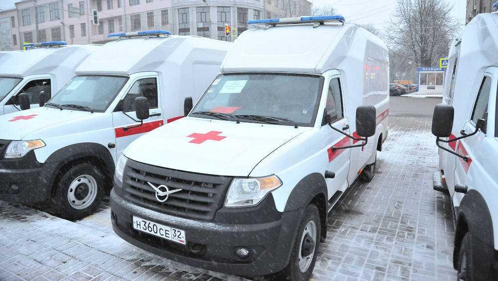 Брянские больницы получили 22 новых автомобиля скорой помощи