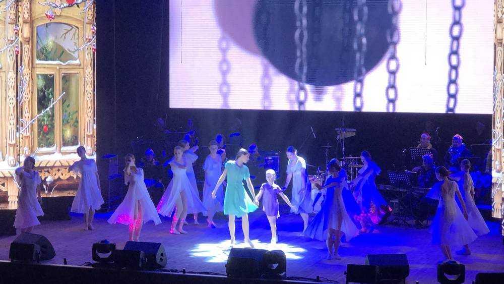 Зрителей поразили выступления брянских артистов на губернаторском балу