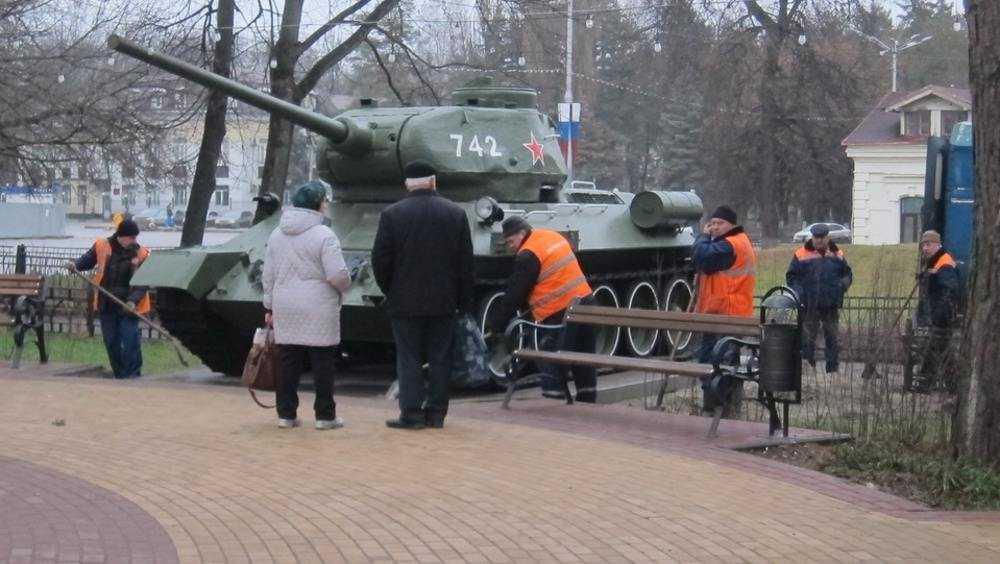 В сквере Морозова в Брянске установили танк Т-34
