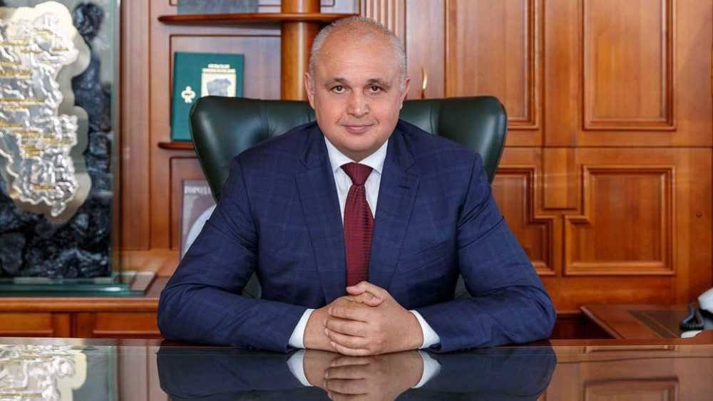Решение губернатора о награждении супруги возмутило россиян