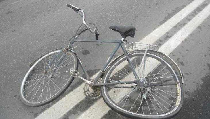 В Брянске Toyota сбила велосипедистку на улице Почтовой