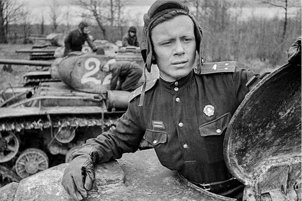 Россиян шокировало глумление либералов над героями Великой Отечественной
