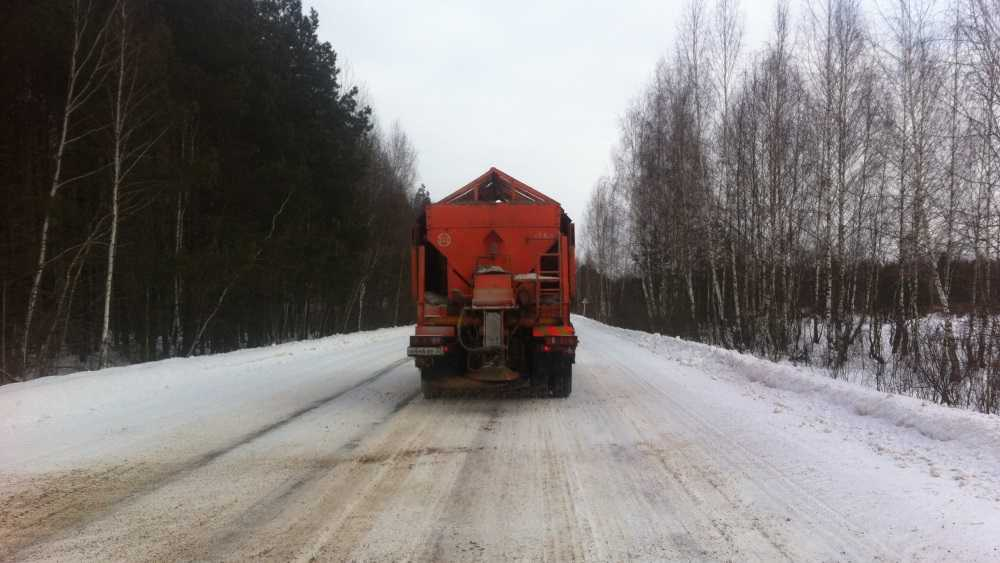 В Брянской области на битву со снегом вывели более 150 машин