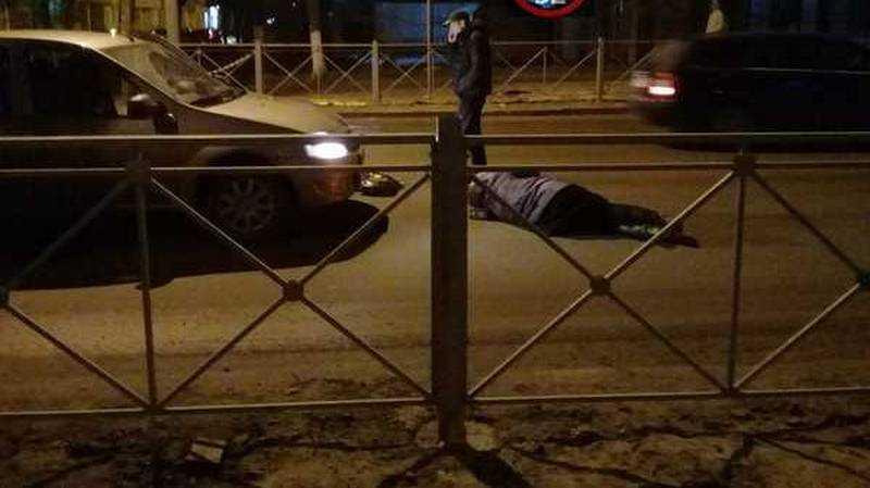 Возле гимназии №1 в Брянске легковушка сбила пешехода
