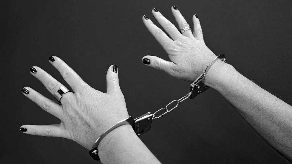 В Брянске 23-летняя рецидивистка ограбила супермаркет