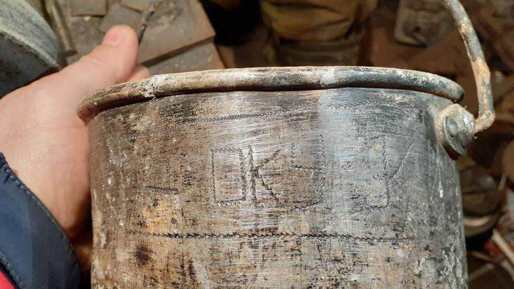 Севские поисковики нашли котелок погибшего в 1943 году воина