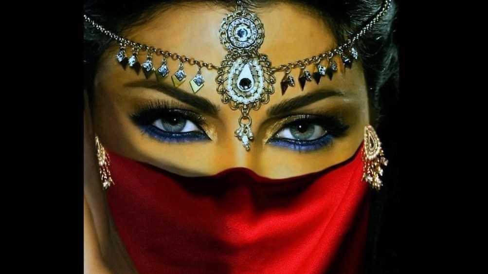Красивых брянских авантюристок начали заманивать в арабские гаремы