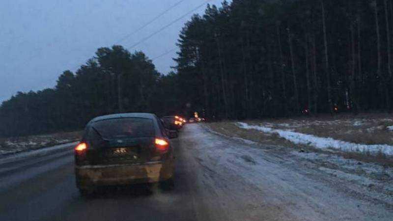 В Брянске из-за светофора столкнулись безграмотные критики и дорожники