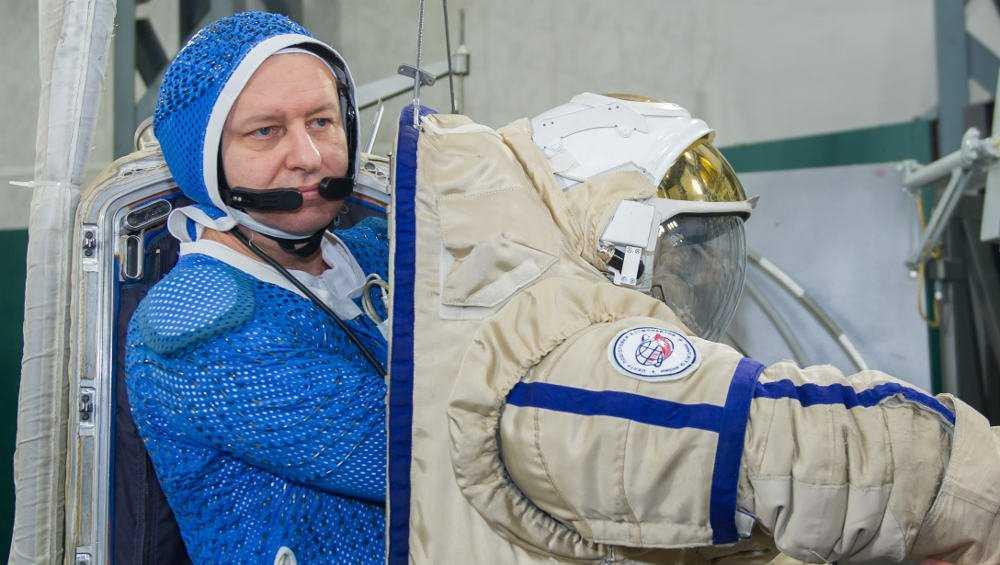 Брянец получил доступ к работе в открытом космосе