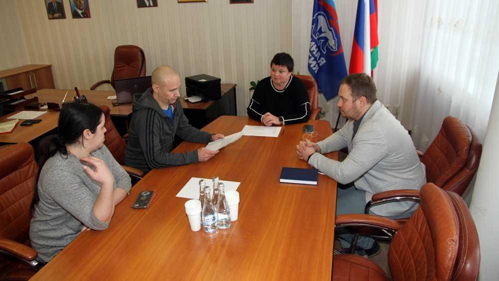 Работники троллейбусного депо пожаловались главе Брянска на автобусы