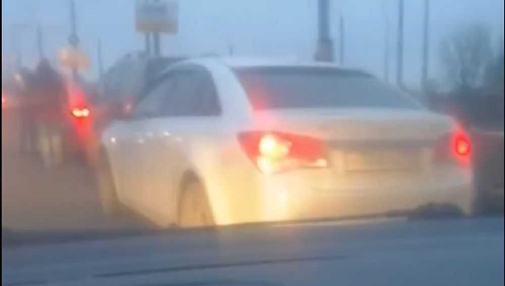 В Брянске возле ТРЦ «Аэропарк» произошло тройное ДТП