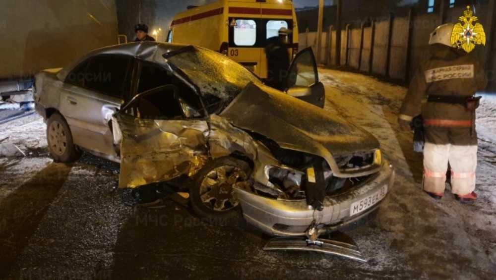 В Брянске в ДТП на Речной получил переломы 31-летний мужчина