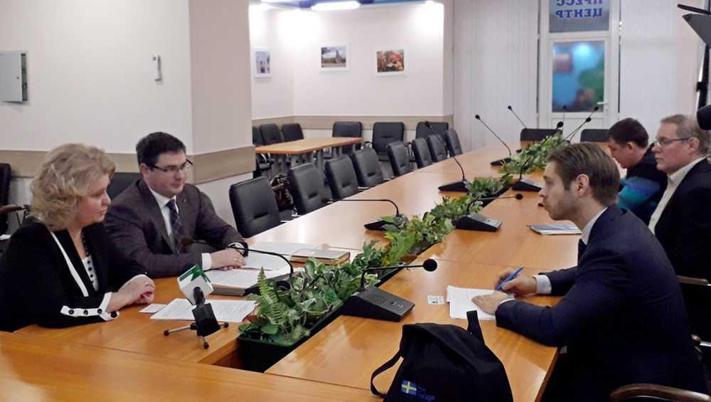Советник посольства Швеции приехал установить связи с Брянском
