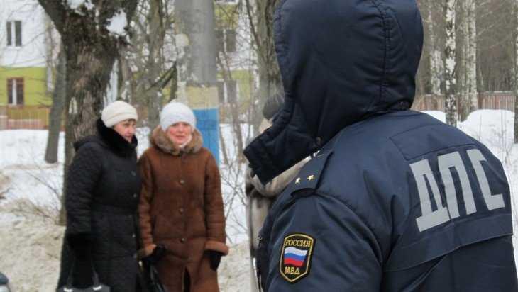 В Клинцах осудят попавшегося на взятке гаишника