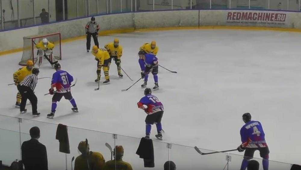 Брянские хоккеисты выиграли второй матч подряд в новом году