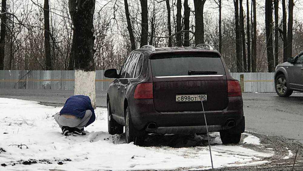 Брянским сторожем дорожной камеры на «Порше» занялась Москва